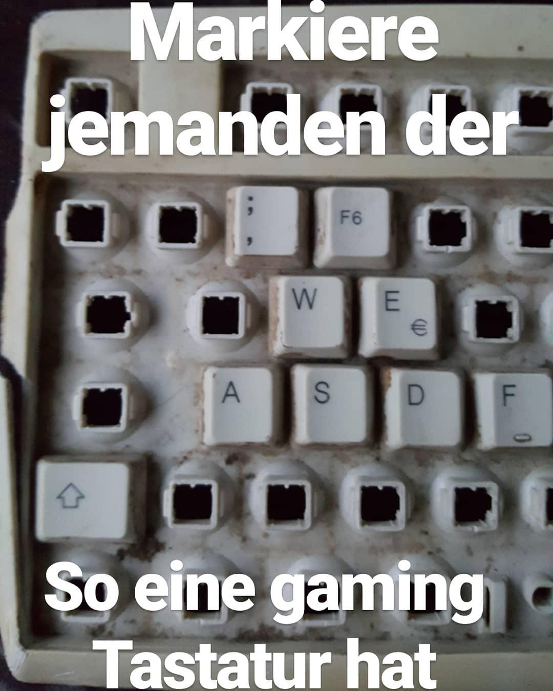 Markiere jemanden der so eine gaming Tastatur besitzt