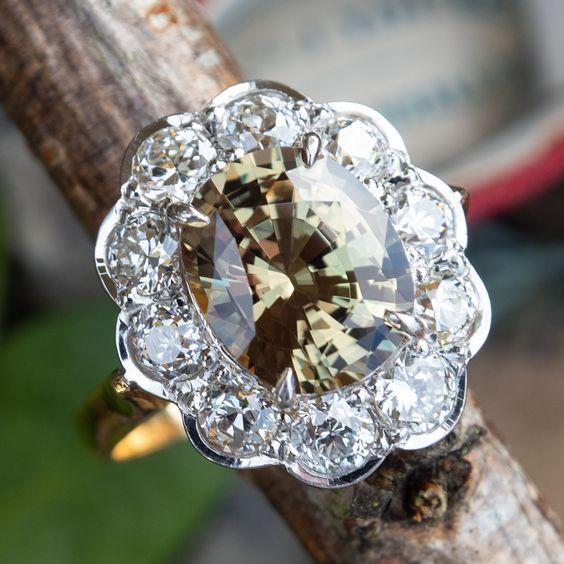 ee805197fd126d672df72b711f2e011e - Die Diamantring-Sammlung